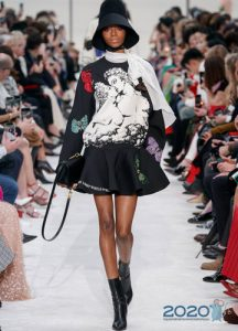 Короткое вечернее платье от Valentino зима 2019-2020