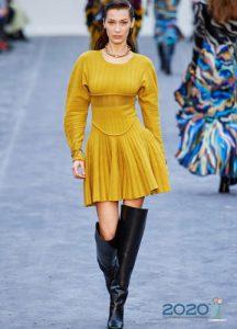 Яркое трикотажное платье Roberto Cavalli осень-зима 2019-2020