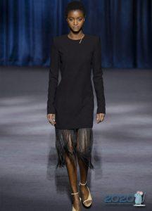 Модное черное платье на 2020 год