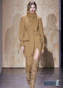 модные вязаные шарфы и другие аксессуары 2020 года