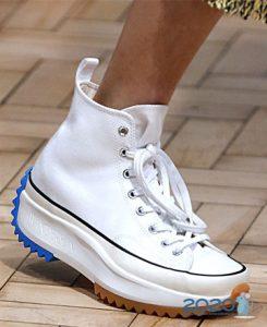 Модные белые кроссовки 2020 года