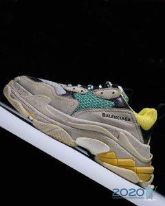 Культовые кроссовки Balenciaga Triple S
