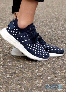 Модные кроссовки в горох на 2020 год