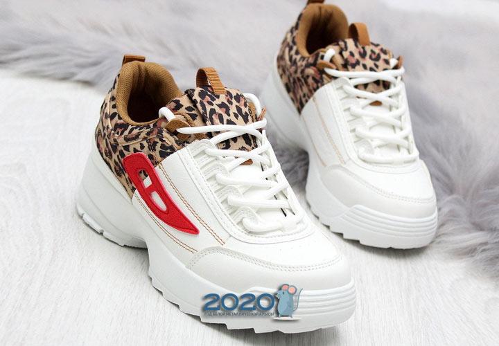 Кроссовки с леопардовыми вставками на 2020 год