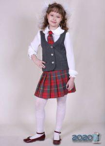 Школьный костюм юбка и жилетка на 2020 год