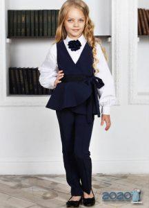 Модный костюм для школьницы на 2020 год