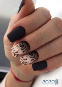 Матовые ногти с рисунком на 2020 год