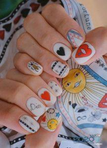 """Дизайн ногтей в стиле """"стикер бом"""" на 2020 год"""