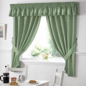 Короткие зеленые шторы на кухню 2019-2020 год