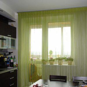 Нитяные шторы в кухню