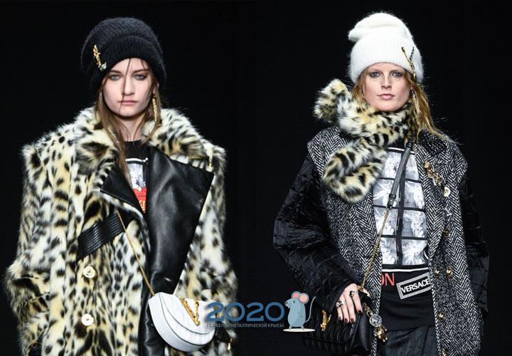 Вязаные шапки Versace осень-зима 2019-2020 года