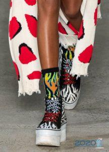 Женские кроссовки на платформе - мода 2020 года