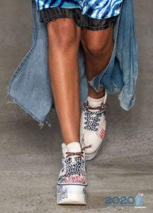 Тренды женских кроссовок на лето 2020 года