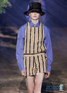 Модная блузка от Диор весна-лето 2020