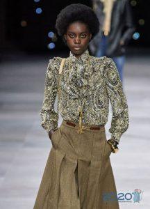 Модная блузка с жабо весна-лето 2020