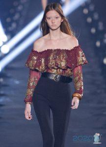 Модная цветная блузка с воланами весна-лето 2020