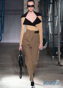 Модные асимметричные брюки сезона весна-лето 2020