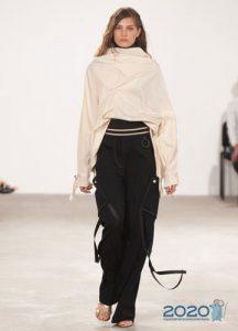 Модные асимметричные брюки на весну и лето 2020 года