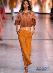 Модные терракотовые брюки сезона весна-лето 2020