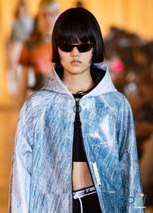 Узкие черные очки - мода весны и лета 2020 года