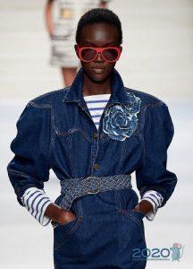 Модные очки с ярко-красной оправой весна-лето 2020