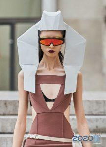 Модные очки с красными зеркальными линзами весна-лето 2020