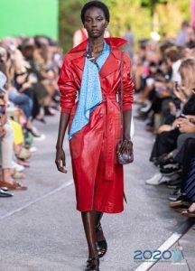 Модное красное пальто весна 2020