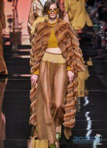 Модное пальто весна 2020 с мехом