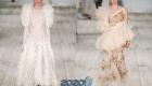 Нежные нюдовые платья с рюшами сезона весна-лето 2020