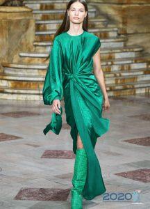 Модное асимметричное платье весна-лето 2020