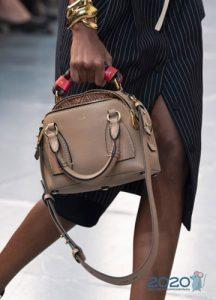 Классическая кожаная сумка весна-лето 2020