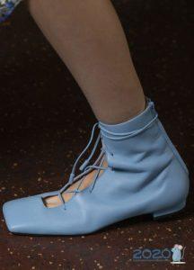 Квадратный носок - модные туфли весны 2020 года