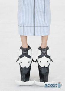 Эпатажные туфли на платформе с показов сезона весна-лето 2020