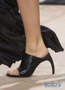 Модные туфли весна 2020 с необычными каблуками