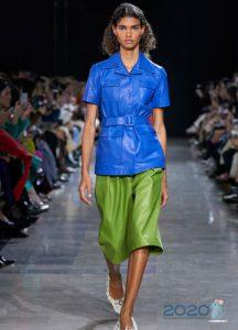 Синяя кожаная куртка весна-лето 2020