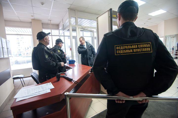 Судебные приставы РФ